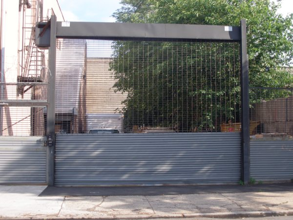 See Through Grille Freestanding (high Cycle) For Security Parking Lots And  Loading Docks.