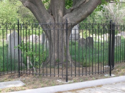 8' Tall steel bar custom fence with hand made fineals. (Brooklyn, NY)