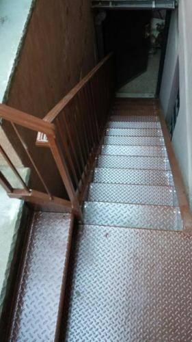 interior-metal-staircase