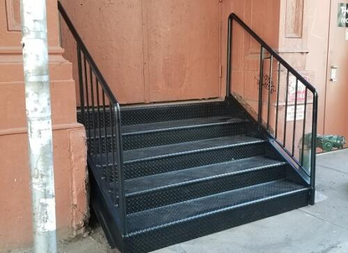 closed diamond stairs